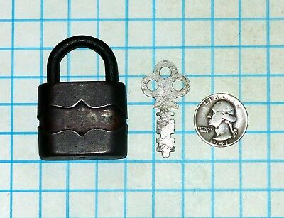Vtg Antique Old Small Ornate 1.5in G&J Products Warded Padlock Lock and with Key