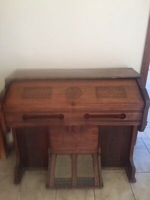 Beautiful Antique Pump Organ Made By Bell Organ & Piano Co.