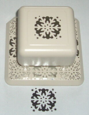 Martha Stewart - All Over The Page- Craft Paper Punch - Snowflake
