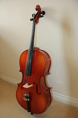 Quarter Size Cello with Bow. Make Szegedi. For child age 6-8/9 years.