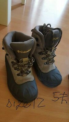 Columbia boots size  12