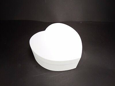White Wooden Schabby Chic Heart Shape Jewellery Box with Interior Mirror