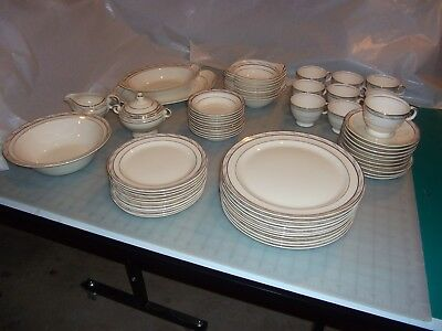 Taylor Smith Antique Dish Set (3 Gold Rings with Roses) Excellent Condition