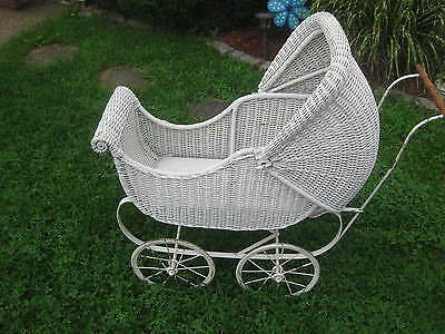 Antique Victorian Wicker Baby Buggy Stroller Pram Doll Carriage White