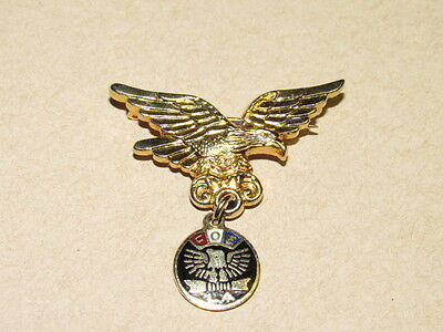 FOE   PinBack Pin- Fraternal Order of Eagles- Gold FLYING EAGLE WITH PENDANT EUC