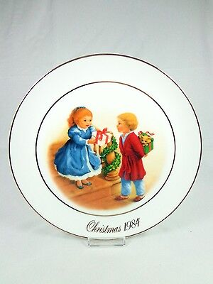 Avon Christmas Memories Series 1984 Porcelain Plate Celebrating Joy of Giving