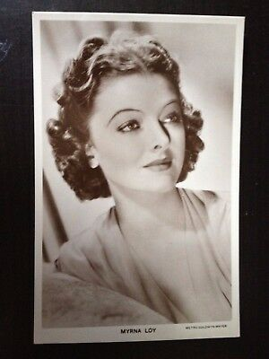 MYRNA LOY - 850b  - PICTUREGOER VINTAGE POSTCARD - EXCELLENT CONDITION