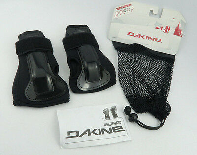 Dakine Snowboarding Sports Protective Wristguards Hook and Loop Black Size M
