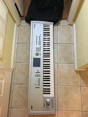 korg triton pro 76 NEAR MINT BARLEY USED WITH DUSTCOVER AND SOFT CASE