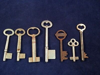 Lot of 7 Old Rusted Skeleton Keys Antique Key Vintage crafts cabinet lock door