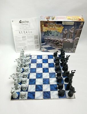 HARRY POTTER Wizard Chess Set - Complete With Instructions & Box