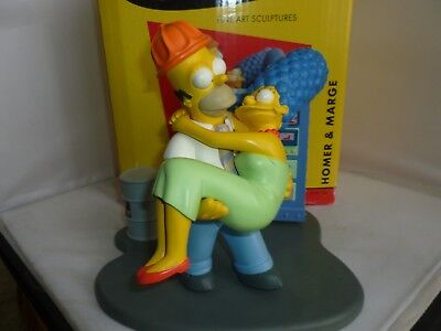The Simpsons Fine Art Sculptures Homer & Marge
