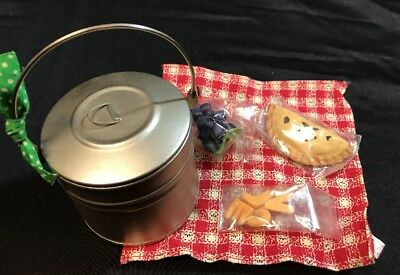 AMERICAN GIRL DOLL RETIRED ADDY TIN LUNCH PAIL ~ 1st VERSION ~ PLEASANT COMPANY