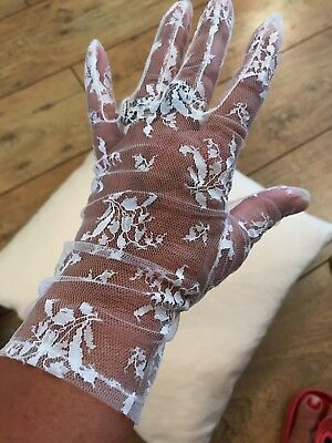 1950's Original Vintage white Lace Gloves