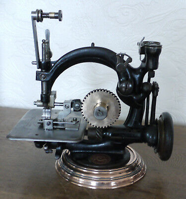 Vintage Willcox and Gibbs sewing machine No.A563749