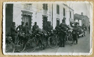 Photo 7x11 WW2 SOLDATS ALLEMANDS A VELOS SUR LE FRONT !