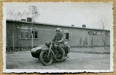 Photo WW2 SOLDAT ALLEMAND SUR SIDE-CAR !