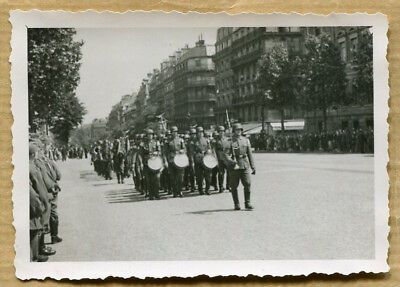 Photo WW2 DEFILE ARMEE ALLEMANDE CHAMPS ELYSEES PARIS !
