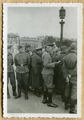 Photo WW2 SOLDATS ALLEMANDS PLACE DE LA CONCORDE PARIS !