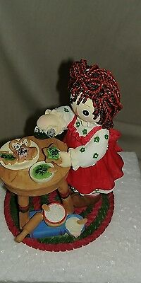 Enesco Raggedy Ann & Andy Happiness Is Homemade 104401