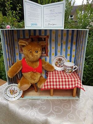 Gabrielle Designs - Winnie the Pooh. Royal Doulton clock, cup and plate. LE 5000