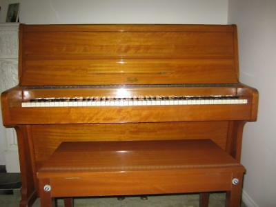 Piano small Beale Upright in good condition