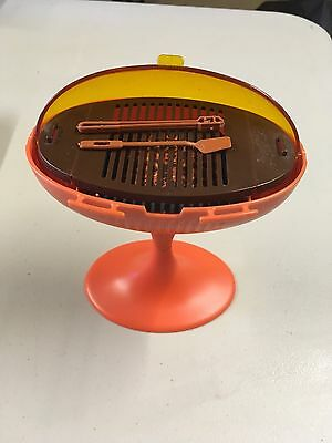 Vintage 1980's Barbie BBQ Barbecue Picnic Grill