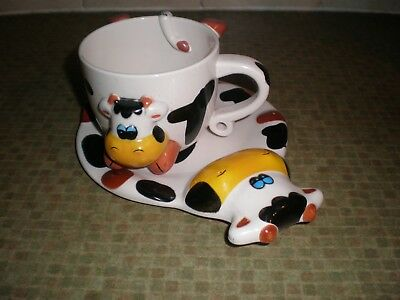 Unusual Childs   Moo Cow Mug And Plate In Hard Plastic   A Great Gift Idea
