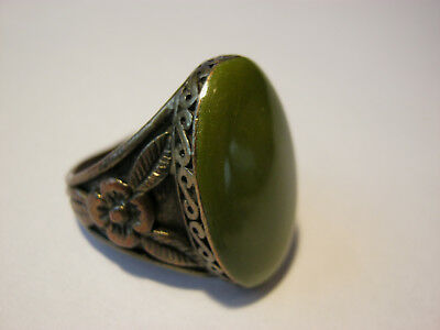 Vintage ring, metal with copper finish, large circular swirled green stone, 9.25