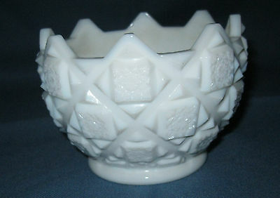 """Westmoreland OLD QUILT WHITE *3 1/2 """" BOWL*"""