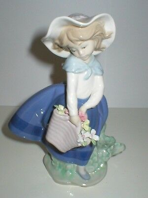 Lladro Figure Pretty Picking Girl With Basket Of Flowers Figurine 5222