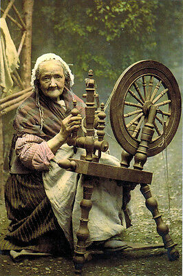OLD TIME IMAGE: ELDERLY WOMAN WORKS WITH SPINDLE Modern Russian postcard