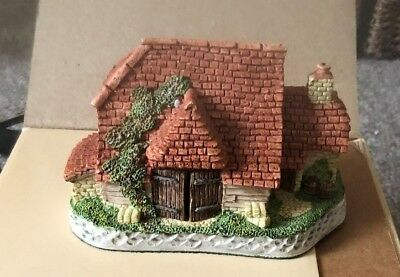 David Winter Cottages Harvest Barn 1989 Excellent Condition Certification & Box