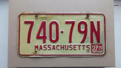 Massachusetts USA America Licence Plate Vintage / Classic Vehicle Cream and Red