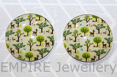 1 x Cute Woodland Deer in Forest 25x25mm Glass Dome Cabochon Cameo Fawn