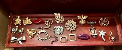 Large Lot Of 22 Preowned Brooches Vintage To Now Roosters Bears Treble Clef