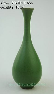 Antique Chinese hand-carved porcelain green glaze beautiful vase NR1