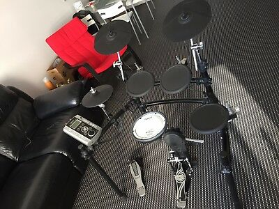 Roland TD-9 Electric Drum Kit with Dixon Kick Pedal
