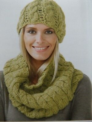 Hayfield Chunky with Wool ladies Cowl & Hat Knitting Kit