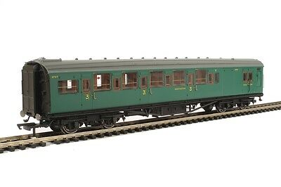 Hornby R4736 Maunsell Brake 3rd 3797 in SR Malachite Green - Aust Warranty