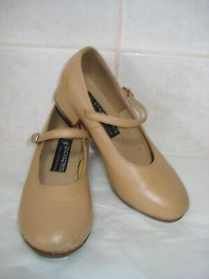 Girls Energetiks Tap Shoes - Tan Size 5.