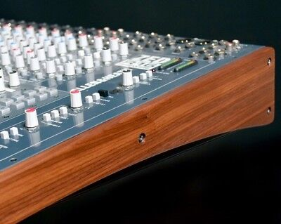 Allen & Heath ZED R16 mit Wood Panel