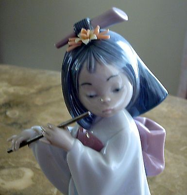 LLADRO Oriental Figurine PLAYING THE FLUTE #6150