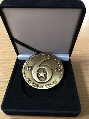 Bobby Moore Limited Edition Commemorative Coin