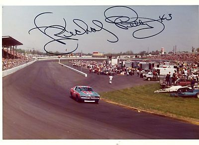 Richard Petty Autograph Orig 1970s 5x3.5 Photo NASCAR Modified 4549