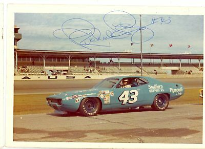 Richard Petty Autograph Orig 1970s 5x3.5 Photo NASCAR 4553