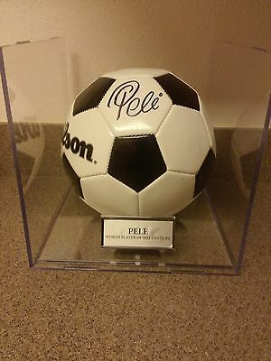 """Pele Signed Encase """" New """" Ball Certified By """" Psa """""""