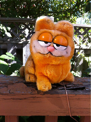 DAKIN Garfield the Cat Stuffed Animal Plush Toy 1981 Korea