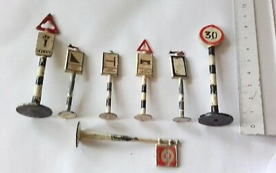 Job Lot Vintage Die Cast Road Signs & Bus Stop