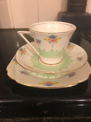 A Beautiful Vintage Art Deco Royal Standard English China Trio